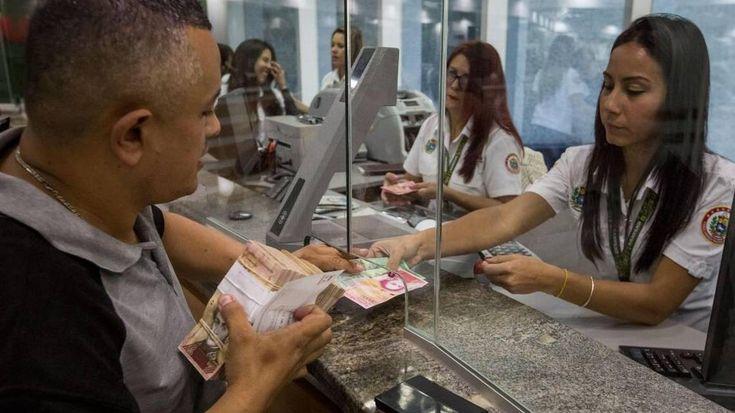 Venezuela deroga tasa de cambio preferencial de 10 bolívares por dólar http://www.elnuevoherald.com/noticias/mundo/america-latina/venezuela-es/article197353974.html?utm_content=buffere58d9&utm_medium=social&utm_source=pinterest.com&utm_campaign=buffer#storylink=rss