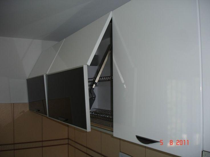 Mobila Bucatarie cu sistem de ridicare a usilor Lift Kinvaro