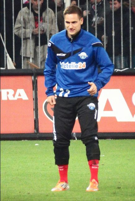 Michael Heinloth warming up for @Paderborn07 #9ineSports