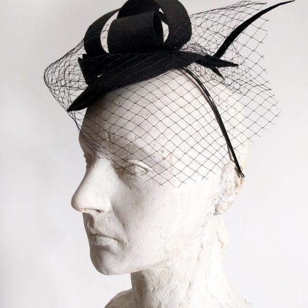 VERA Fascinator hat made by Eventivity Accessorize