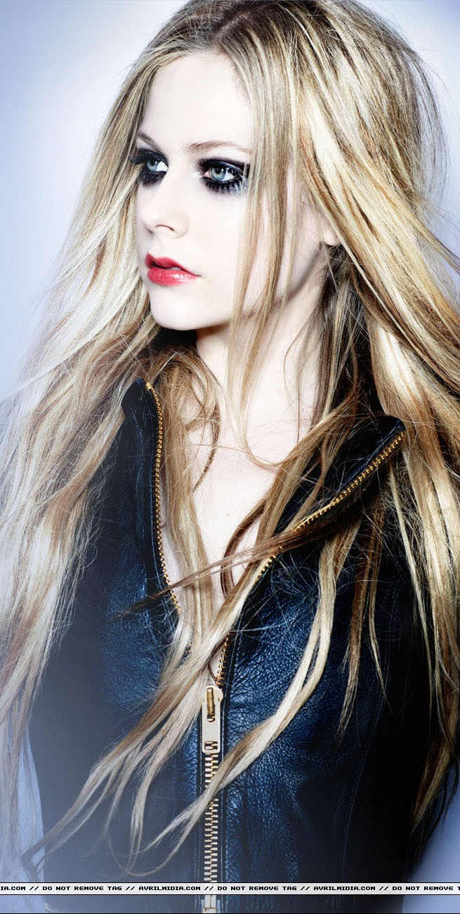 Avril Lavigne Here's to Never Growing Up <3
