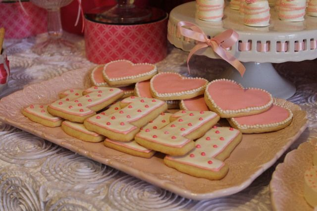 Cookies at a Valentine's Day Party #valentines #partycookies