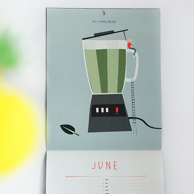 Our motto for this month: Live a healthy lifestyle... but most importantly enjoy and relax! Our staff pick: Cream of strawberry: mix 4cl of cream of coconut, 14cl of pineapple juice and 10 frozen strawberries (even better when enjoyed in good company!) #calendar #june #smoothie #blender #liveahealthylifestyle #green #vegan #juice #fruits #cocktail  #noalcohol #pleasedtomeet #munich #graphicdesign #illustration #scandinavian #paper #papeterie