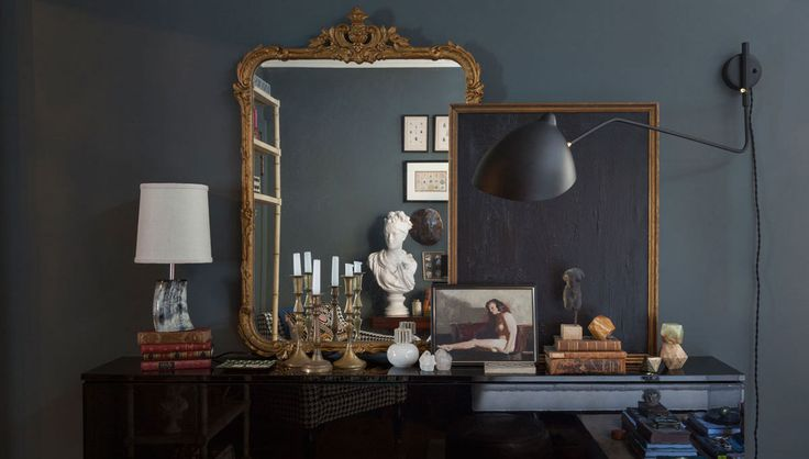 Benjamin Moore's Chalkboard paint and Farrow & Ball's Down Pipe get the star treatment in Carollo's home. | Lonny