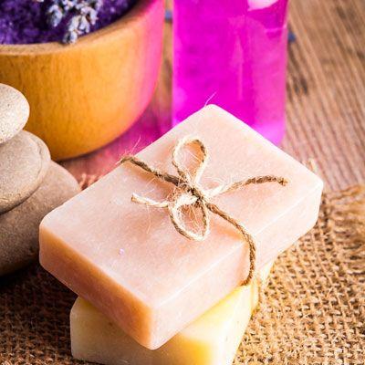 Bio Seife selber herstellen mit nur 3 Zutaten - biologisch hochwertige Seife kinderleicht selbst machen
