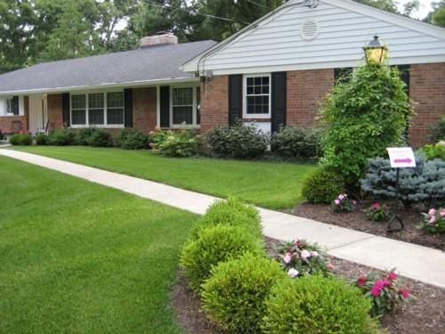 Landscaping Front Of Brick House : Tips to landscaping with ranch style home smart