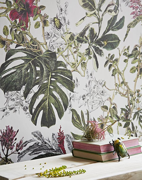 Bring a world of colour into your home with the Tropical Bloom wallpaper. This mural-like wallcovering gives a fresh, lively and elegant feel to your home.