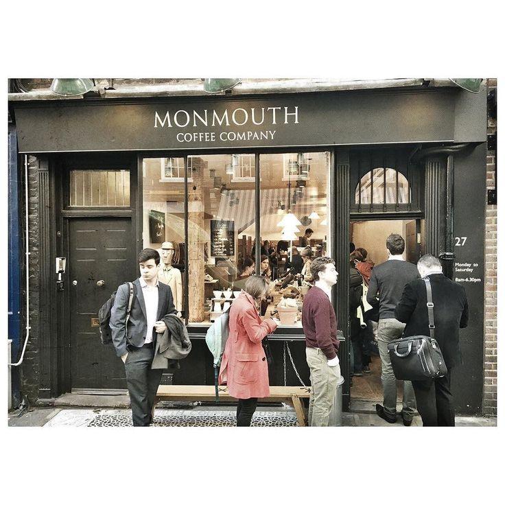 . . . am8:30 . . 朝から賑わうMonmouth street . . 道の名と同じコーヒースタンドへ . . . 美味いコーヒーとブラウニー . . 今日も一日始まります . . . #UK  #london  #monmouthcoffee by yuratkc