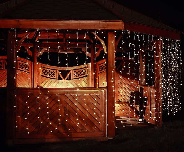 Rideau lumineux pour l'extérieur LED http://www.rotopino.fr/rideau-lumineux-pour-l-exterieur-led-blanc-avec-prise-supplementaire-400-elements-bulinex-50-902,46433 #noel #rideau #lumineux #rotopino