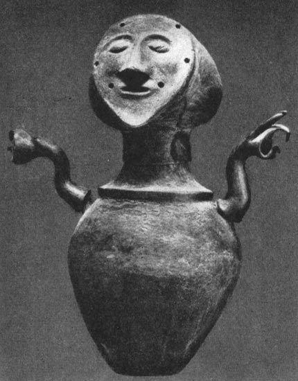 Urn from Chiusi.  Clay. Ca. 600 B.C. Chiusi, National Etruscan Museum.