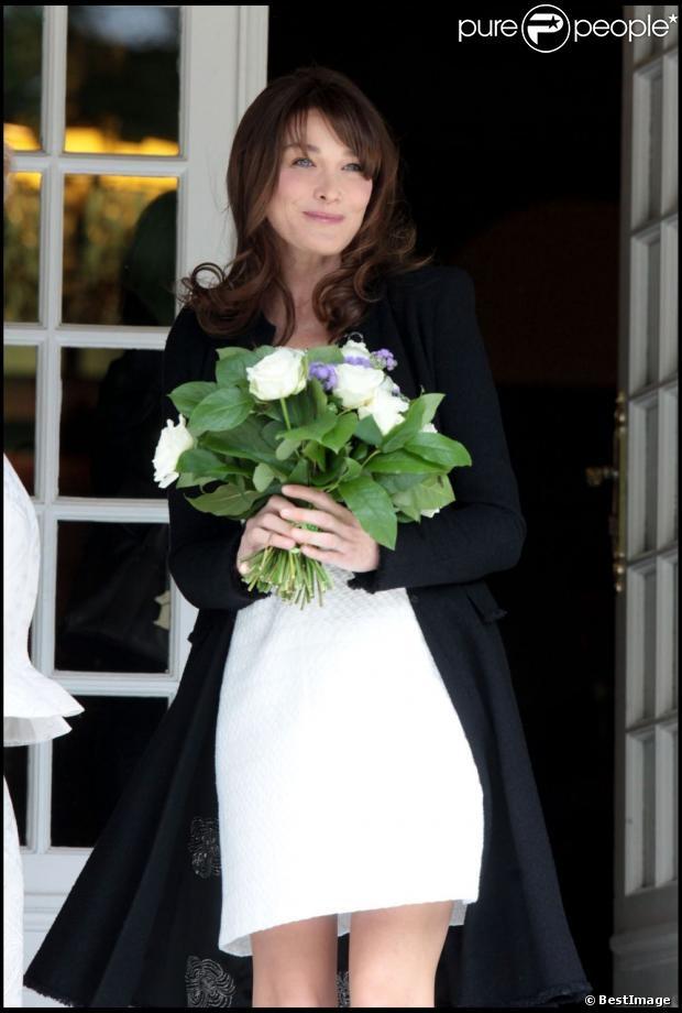 Carla Bruni enceinte lors du G8 à Deauville le 26 mai 2011.