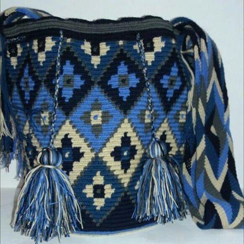 Mochila Wayuu tonos azules. Abril 28-06.