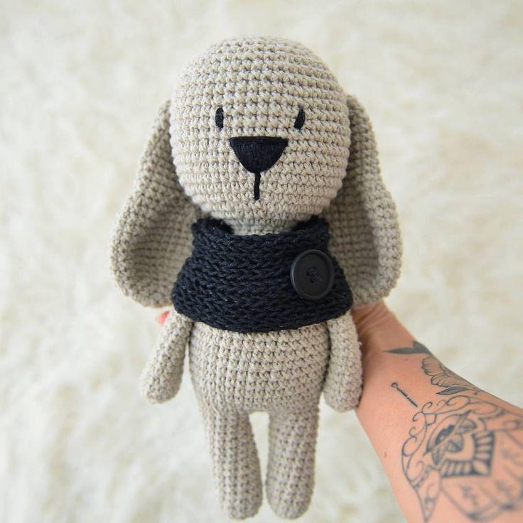 "68 Likes, 5 Comments - Amigurumi (@madrecraft) on Instagram: ""Coelhinho  #crochet #croche #crochetlovers #amigurumi #craft #handmade #loveit #love #lovecrochet…"""