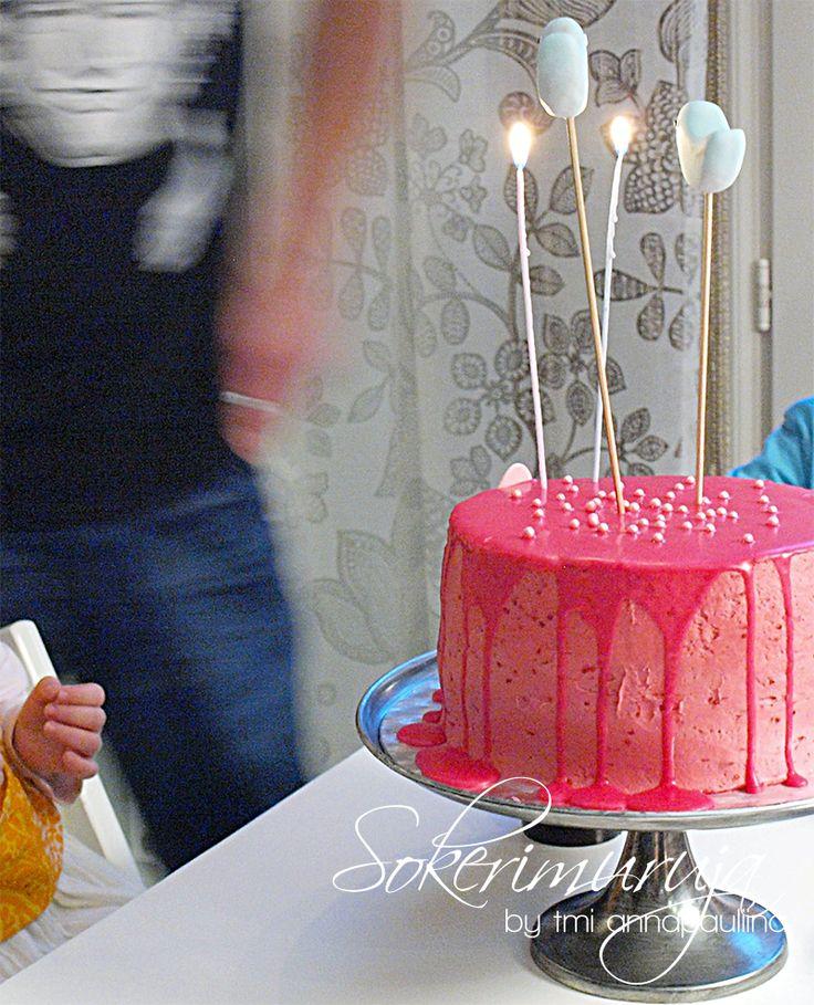 Pink birthday cake / Pinkki synttärikakku <3  Sokerimuruja by tmi annapauliina | Pieni kotileipomo ja kakkublogi. Teemme uniikit herkut tilauksesta juhlapöytääsi.
