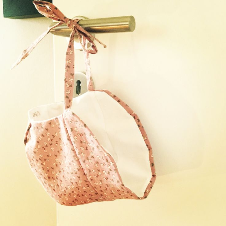 Baby bonnet - pattern from purlsoho
