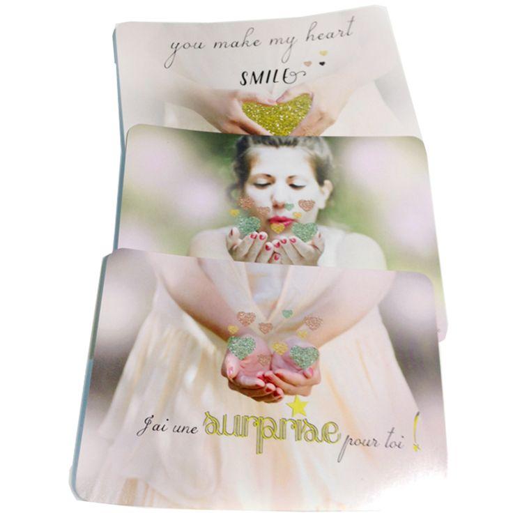 """Le"""" Poetic set """" est parfait pour marquer les coeurs et vous démarquer avec une correspondance originale, poétique et pleine de sens. Il vous permet de rendre hommage simplement, à ce qui est important pour vous. Vous recevez ce """"Poetic set"""" délicatement emballé dans une pochette en glassine et agrémenté d'un sticker doré, sous une pluie de confettis. #love #loveisall #loversgift #poetic card"""