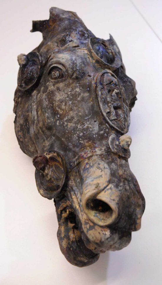 "German archaeologists have uncovered the beautifully preserved horse's head from a Roman equestrian statue. The life-size statue is gold-plated bronze, and they also found the foot of the rider, thought to be Augustus. ""This bronze sculpture counts among the best pieces to have ever been found from the area of the former Roman empire,"" said Eva Kuehne-Hoermann, Hesse's minister for science, at the unveiling of the head in Frankfurt. ""Nowhere else is there a finding of this form or quality."""