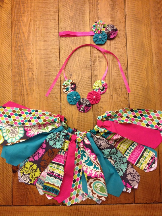 3 Piece Fabric Tutu set... Would be cute to make a set or few like this for Sissy