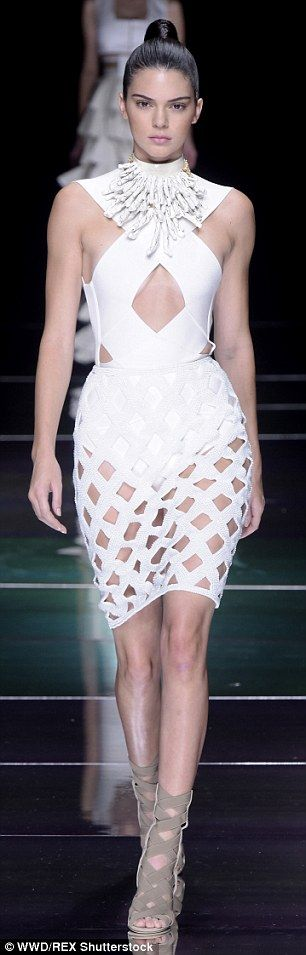 Kendall Jenner walks the runway in cut out  at Balmain for PFW #dailymail