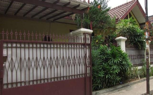 Di jual Rumah - Rumah Dijual 3 Star Rating: Average Kemanggisan Jakarta Barat, Jakarta Rp. 3,500,000,000   Pusat informasi iklan Jual Beli Rumah Termurah