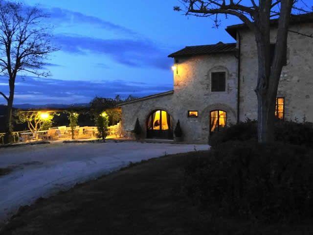 Romantic Honeymoon in Italy... in the heart of the most beautiful Tuscany. Romantic farmhouse Taverna di Bibbiano near San Gimignano (Siena)