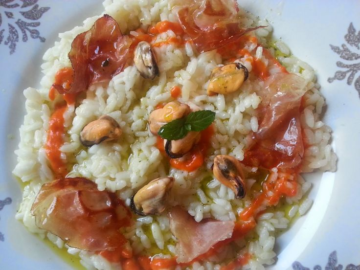 Fatemi cucinare !!!: Risotto con cozze, crema di peperoni, speck croccante e profumo di menta