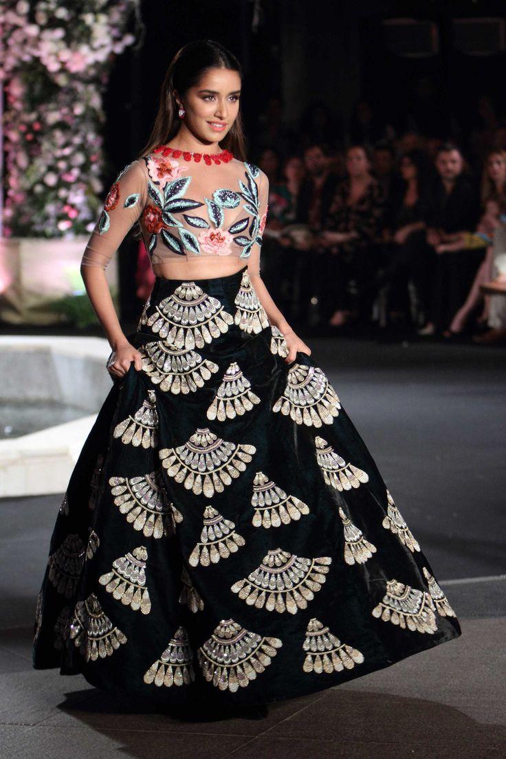 Manish Malhotra at Lakmé Fashion Week winter/festive 2016 | Vogue India | | Fashion