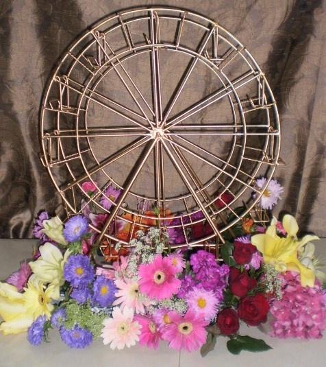 Ferris Wheel centerpiece | Centerpieces | Carnival wedding ...