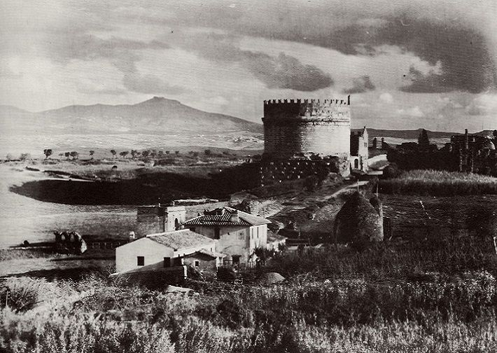 Via Appia Antica. Mausoleo di Cecilia Metella Anno: 1865 ca.