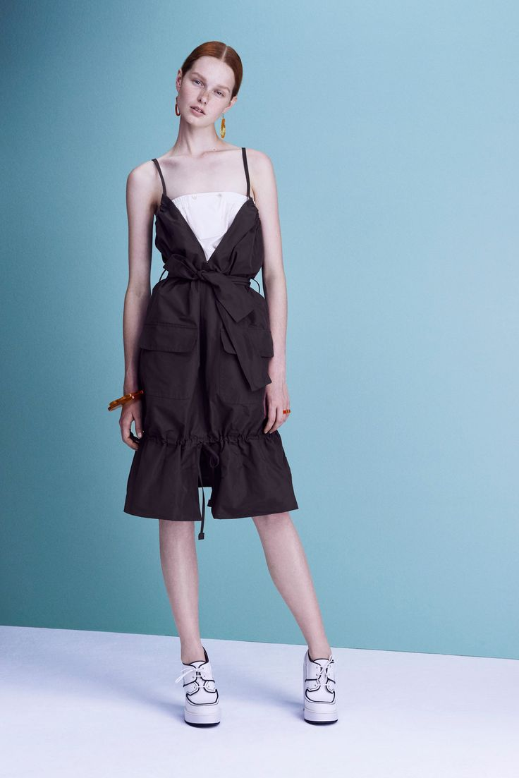 Jil Sander Navy Spring 2016 Ready-to-Wear Collection Photos - Vogue