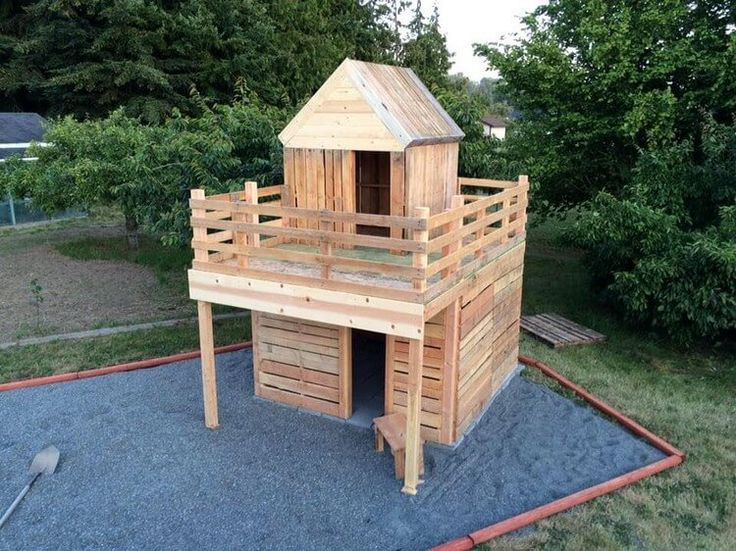 Wood Pallet House