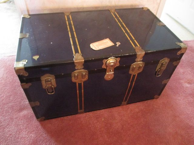 VINTAGE TRUNK Estate sale from classy Upper Hunt Club home – 114 Topley Crescent, Ottawa ON. Sale will take place Sunday, May 10th 2015, from 8am to 2pm. Visit www.sellmystuffcanada.com to view photos of all available items!