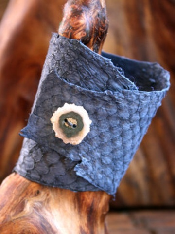 Fish Skin Bracelet with Agate Button Closure