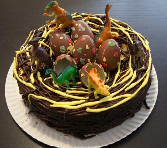 Mona de Pascua con… ¡nido y huevos de dinosaurio! www.viviendochic.com