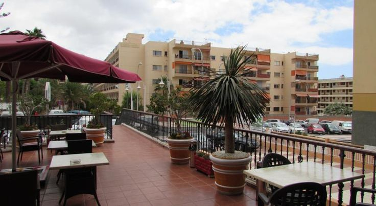 Hotel Andrea´s Los Cristianos Hotel Andrea´s is 350 metres from Los Cristianos Beach, in southern Tenerife, and 10 minutes' walk from the Port. It has a sun terrace and a bar and restaurant.  Rooms at Andrea's Hotel feature tiled floors, and all have a private bathroom.