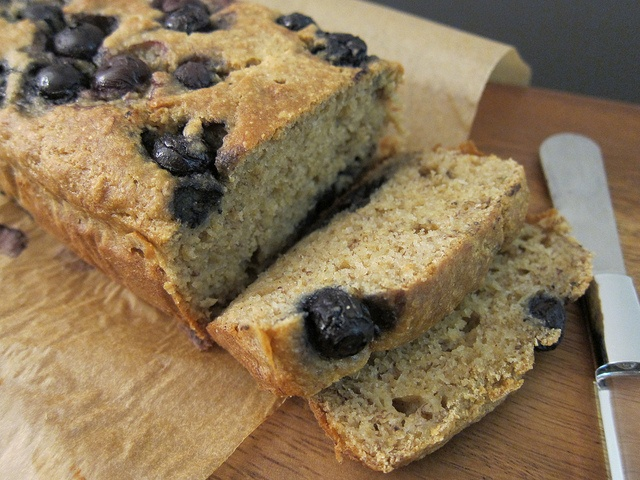 Whole Wheat Banana Bread by Lou & Esi: Blueberries Bananas Breads, Blueberries Breads Mad, Muffins Breads Scon, Blueberry Banana Bread, Wheat Bananas, Wheat Blueberries, Bananas Blueberries, Healthy Recipe, Whole Wheat Breads