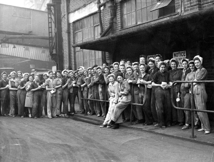 The 'Sugar Girls' at the Tate & Lyle factory in Silvertown, London