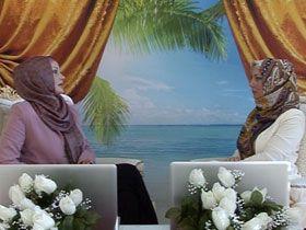 Serap Akıncıoğlu ve Gülay Pınarbaşı ile sohbetler - Komünist Tehlike 2 (08 Eylül 2012) Video