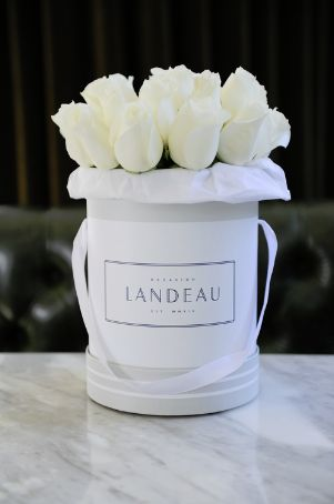 LANDEAU: THE LUXURIOUSLY SIMPLE WAY TO SEND ROSES — Landeau