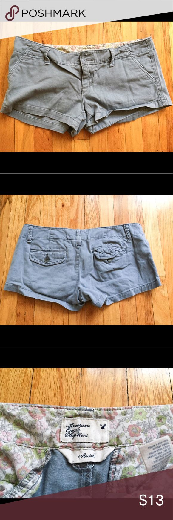 AMERICAN EAGLE OUTFITTERS 🦅 grey shorts ❗️CLOSET PURGE❗️ classic American eagle outfitters shorts in light gray. It's a size 27. It has some stretch to it as labeled. Pre-loved American Eagle Outfitters Shorts