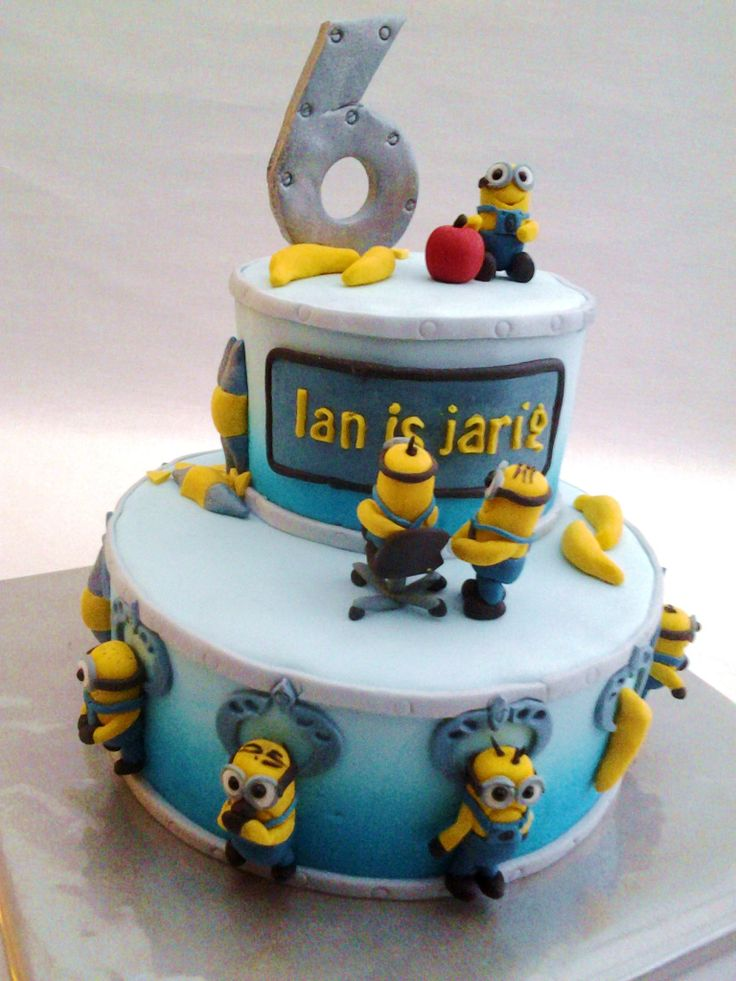 113 best Minion Cakes images on Pinterest Minion cakes Minion