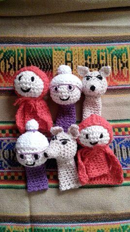 titeres de dedo al crochet, cuento Caperucita Roja.