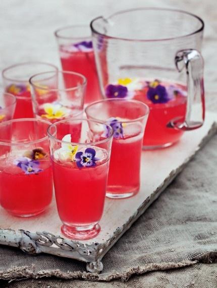 Vinbärslemonad