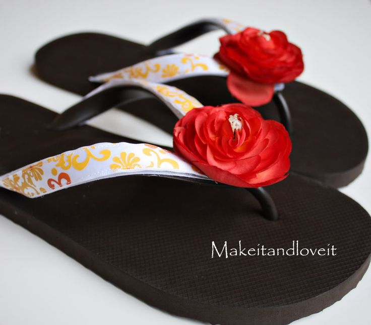 make your own flip flop straps for a different look every day, one pair of flip flops and endless possibilities!: Crafty Clothing, Crafts Ideas, Flops Crafts Sewing Ideas, Flops Tutorials, Interchangeable Flipflop, Flops Ideas, Flip Flops, Brilliant Ideas, Diy Craft