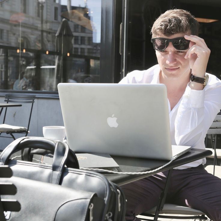 Working in the sun is great, being unable to see your screen ain't.