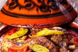 Tunesische Tajine mit Lamm https://www.expedition-aroma.de/tunesische-tajine-schmortopf-mit-lamm-68741.html