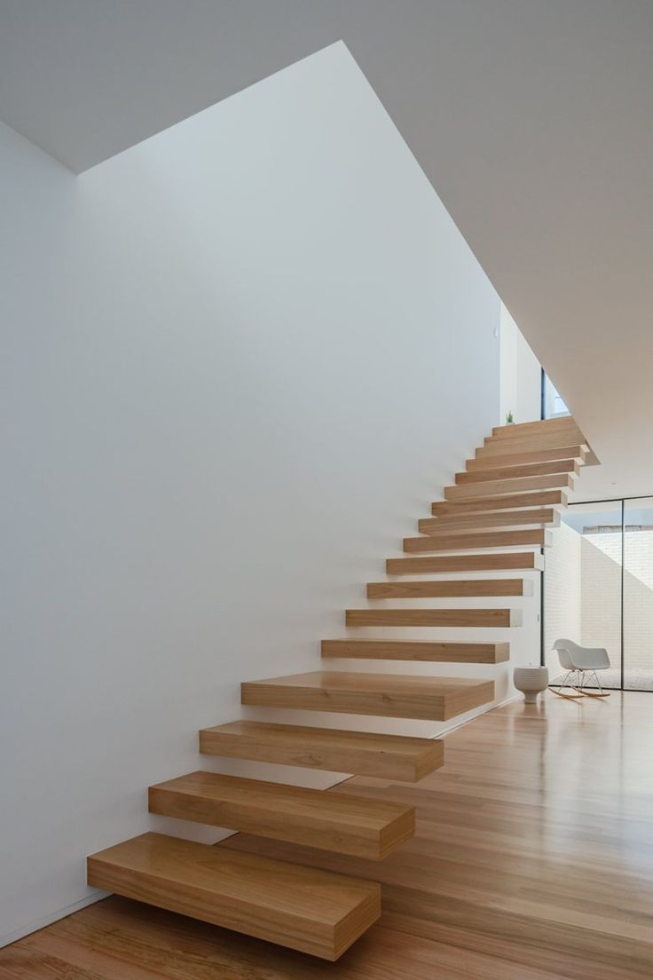 You saved to White | Interiors & Architectures Touguinha House | Raulino Silva Arquitecto, Unip. Lda  #staircase #wood #white