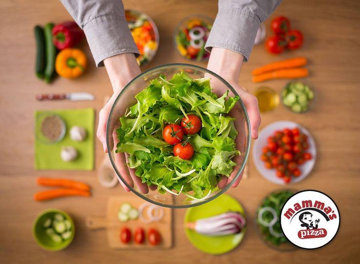 Λαχτάρισες δροσερή, γευστική σαλάτα με φρέσκα και υγιεινά λαχανικά και μοναδικά χειροποίητα dressings;; Τότε δεν έχεις παρά να δοκιμάσεις κάνοντας τώρα την παραγγελία σου!!  www.mammaspizza.gr