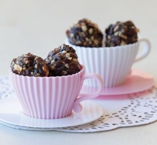 Healthy food guide choc cranberry balls