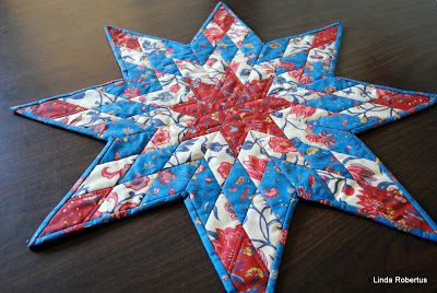 Lone Star table toper made with Dutch chintzes